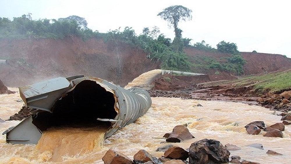 Di dời khẩn cấp, 5.500 dân, nguy cơ vỡ đập thủy điện Đắk Kar