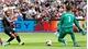Man City đè bẹp West Ham trong ngày ra quân Ngoại hạng Anh
