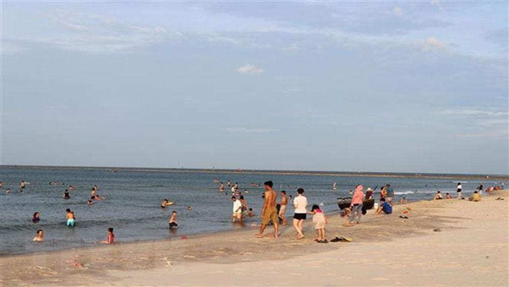 Bình Thuận: 4 người chết đuối khi tắm biển