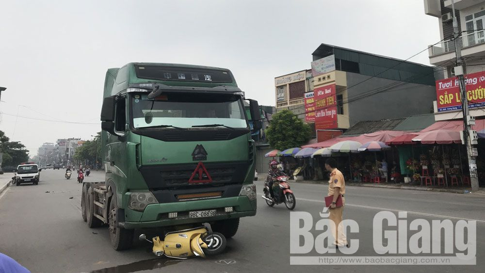 tai nạn giao thông, trọng thương, đầu kéo, xe máy, Bắc Giang