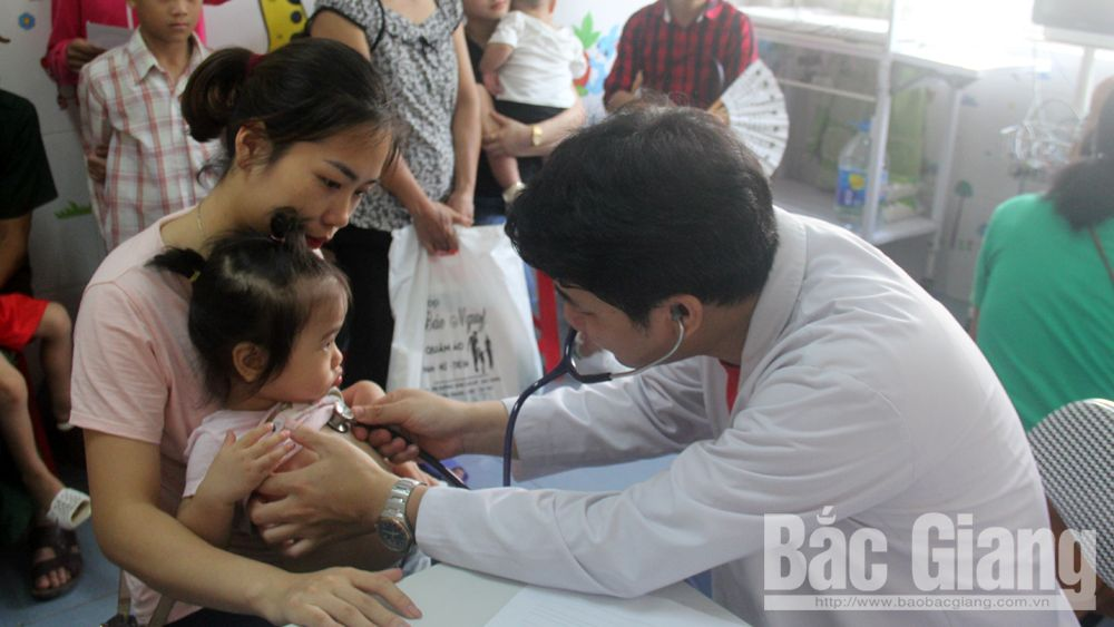 Bac Giang province, free screening, congenital heart defect screening, Heart for Kids, Bac Giang Obstetrics and Pediatrics Hospital, early intervention, medical insurance fund, treatment techniques