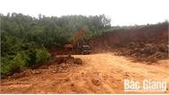 Ngang nhiên khai thác đất trái phép tại xã Lan Mẫu (Lục Nam)