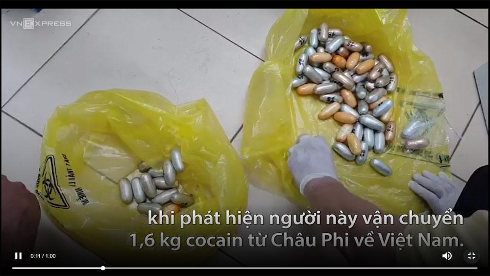 Người đàn ông Senegal nuốt 1,6 kg ma túy khi vào Việt Nam