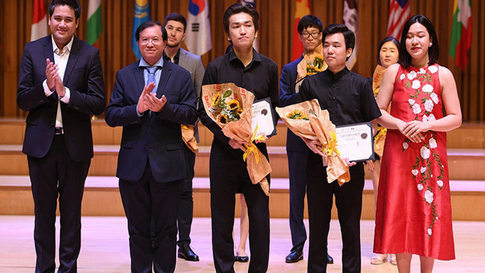 Vietnam wins many awards at International Violin and Chamber Music Competition