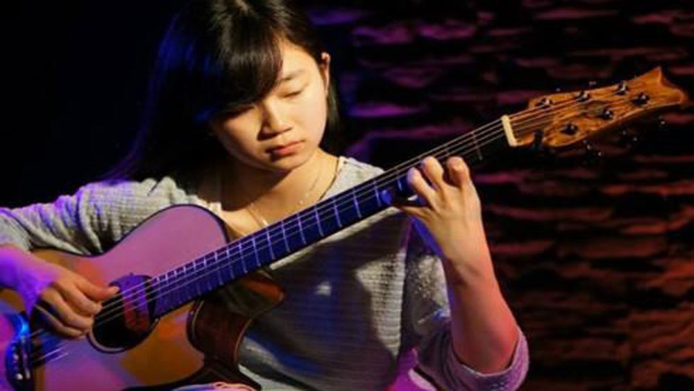 Int'l finger-style guitar festival to take place in Hanoi this weekend