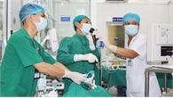Cụ ông ở Bắc Giang suýt mất mạng vì rơi cả hàm răng giả vào sâu trong phế quản