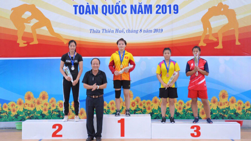 Bac Giang wins 2 silvers and 5 bronzes at national tradition and freestyle wrestling championship