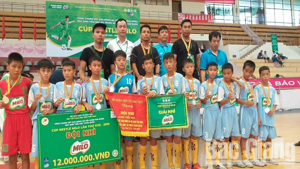 Bac Giang team, silver medal, National championship, Phu Dong Sports Festival, football championship for student, 17th Nestlé Milo Cup