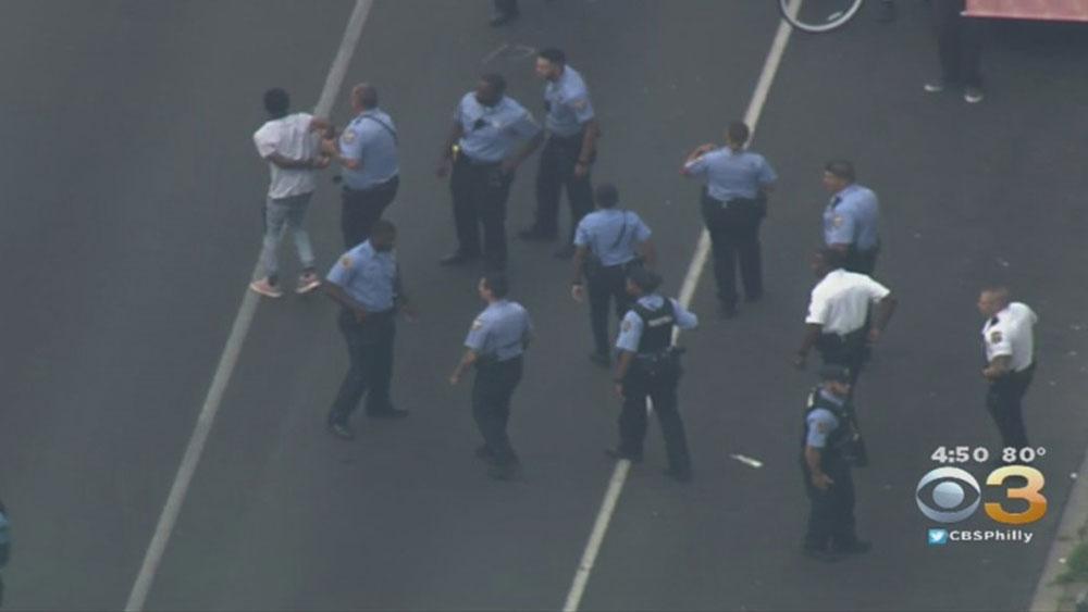 Mỹ, bắt giữ, nghi can vụ nổ súng tại Philadelphia, Maurice Hill