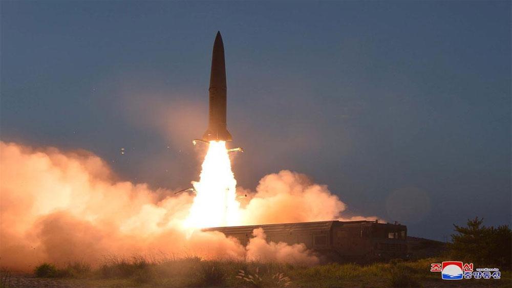 Triều Tiên, phóng vật thể chưa xác định, ra biển
