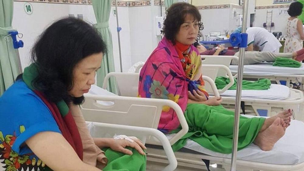 9 du khách Hà Nội, bị ngộ độc thực phẩm, nhập viện, Nhà hàng, không lưu mẫu thức ăn