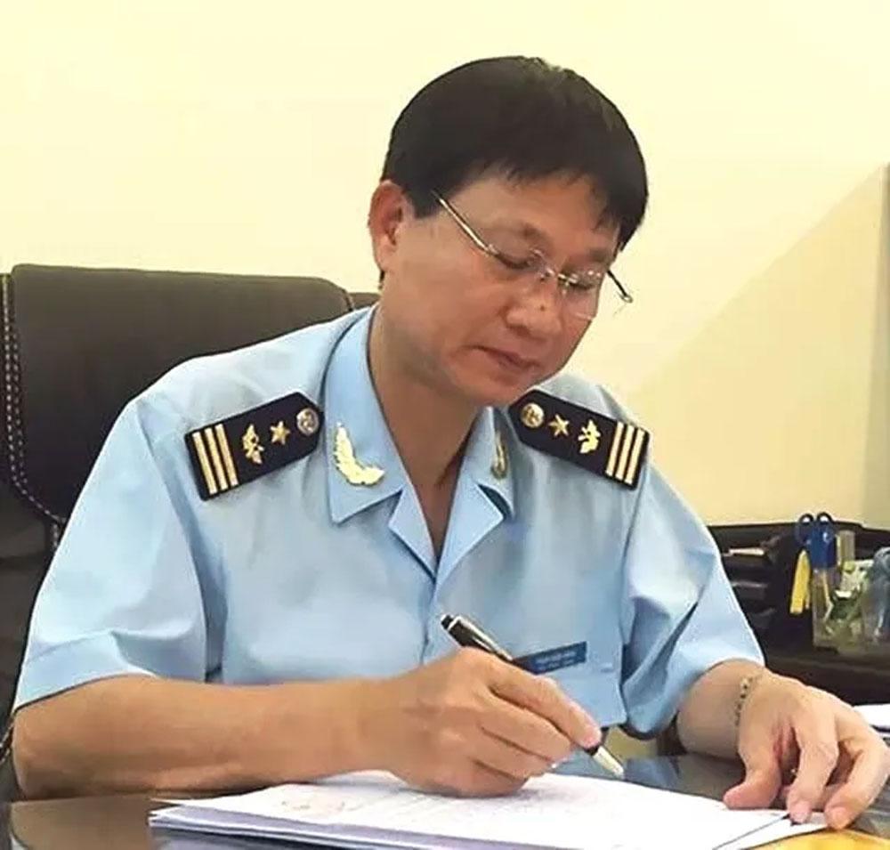 Phó Cục trưởng Hải quan TP Hồ Chí Minh, dùng bằng giả, ông Phạm Quốc Hùng