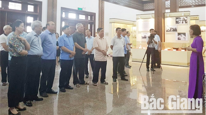Launching art show for visitors at Xuong Giang Victory Relic Site