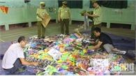 Tiêu hủy gần 800 đồ chơi trẻ em bạo lực