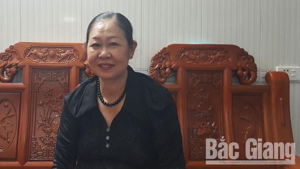 Bà Phan Thị Thoa trả lại gần chục triệu đồng nhặt được