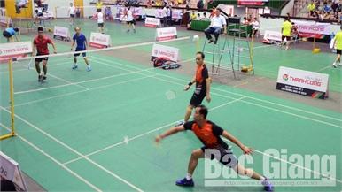 220 cây vợt tham dự giải cầu lông các CLB toàn tỉnh - Cúp Thành Công