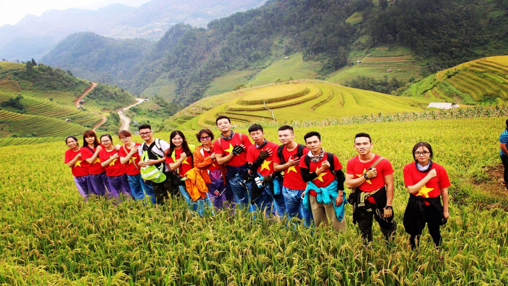 Assorted activities, Mu Cang Chai terrace fields, Yen Bai province, National Day, cultural diversity,  andicraft products, traditional costumes
