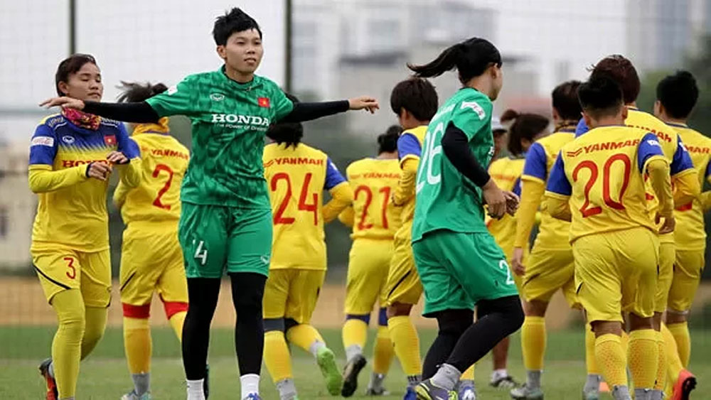 Vietnamese women target football glory in Thailand