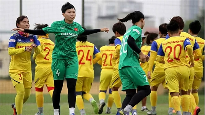 Vietnamese women target football glory in Thailand