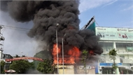 Clip: Cháy ngùn ngụt ở siêu thị 90K tại TP Bắc Giang