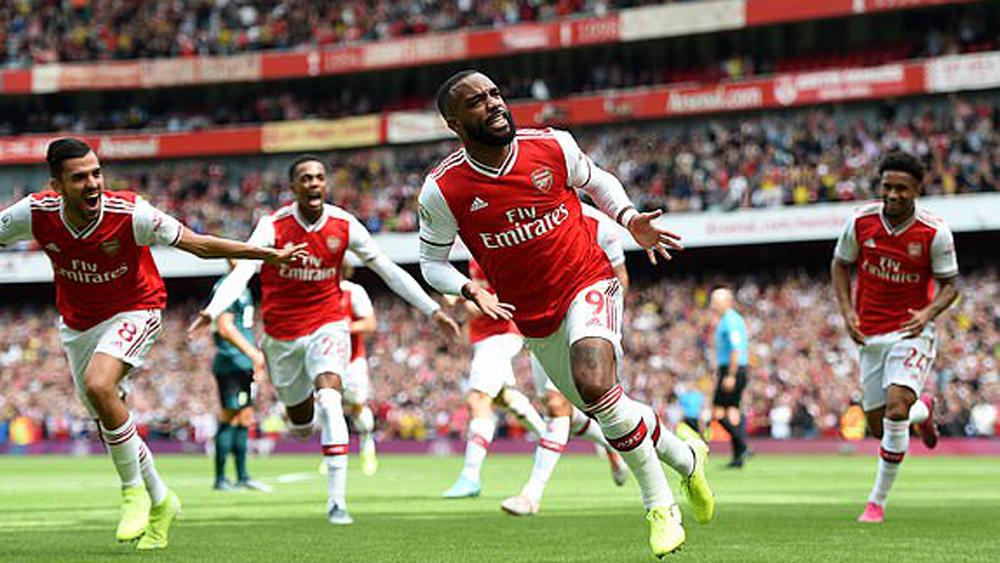Hạ Burnley, Arsenal, trận thắng thứ hai, liên tiếp