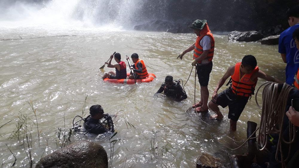 Gia Lai, thi thể, ba nạn nhân đuối nước ,chơi thác