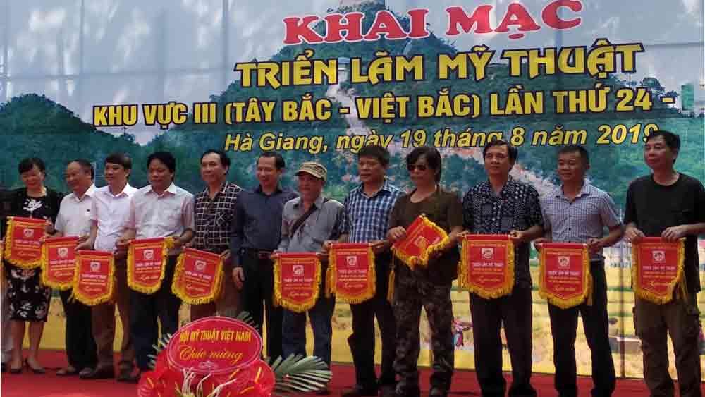 Bắc Giang có 12 tác phẩm trưng bày tại triển lãm Mỹ thuật khu vực Tây Bắc- Việt Bắc năm 2019