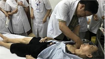 Bệnh viện Y học cổ truyền tỉnh Bắc Giang triển khai kỹ thuật điều trị liệt do tai biến mạch máu não