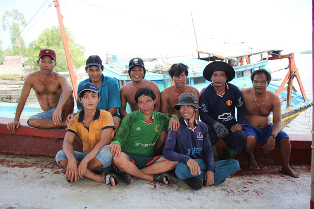 Vietnamese fishermen, Philippine sailors, certificates of merit, good deed, save the lives