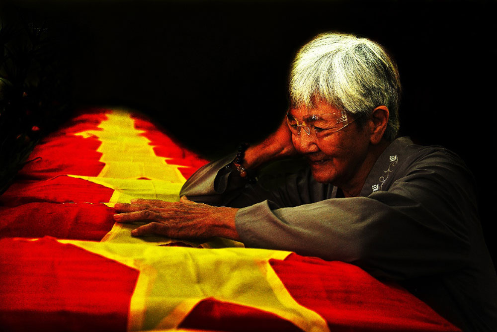 Resounding victory, historic victory, August Revolution, Vietnamese people, heroic traditions, Aspiration for peace