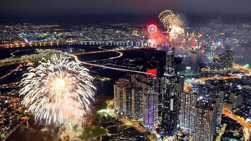 Ho Chi Minh city, fireworks, National Day, major national celebrations, street lighting shows, art performances