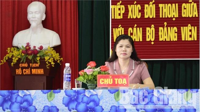 Bí thư Huyện ủy Tân Yên Lâm Thị Hương Thành đối thoại với nhân dân xã Lan Giới