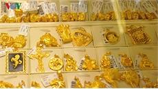 Giá vàng SJC và thế giới tiến sát nhau, chỉ chênh 20.000 đồng/lượng