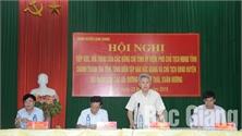 Các đồng chí Tỉnh ủy viên tiếp xúc, đối thoại với nhân dân huyện Lạng Giang