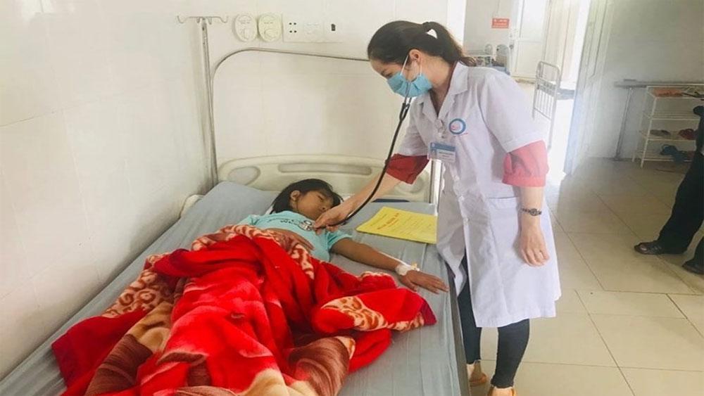 ăn tối ở trại hè, 30 học sinh, có dấu hiệu ngộ độc, Trung tâm y tế huyện Đắk R'lấp, Trường THCS Trần Quang Khải
