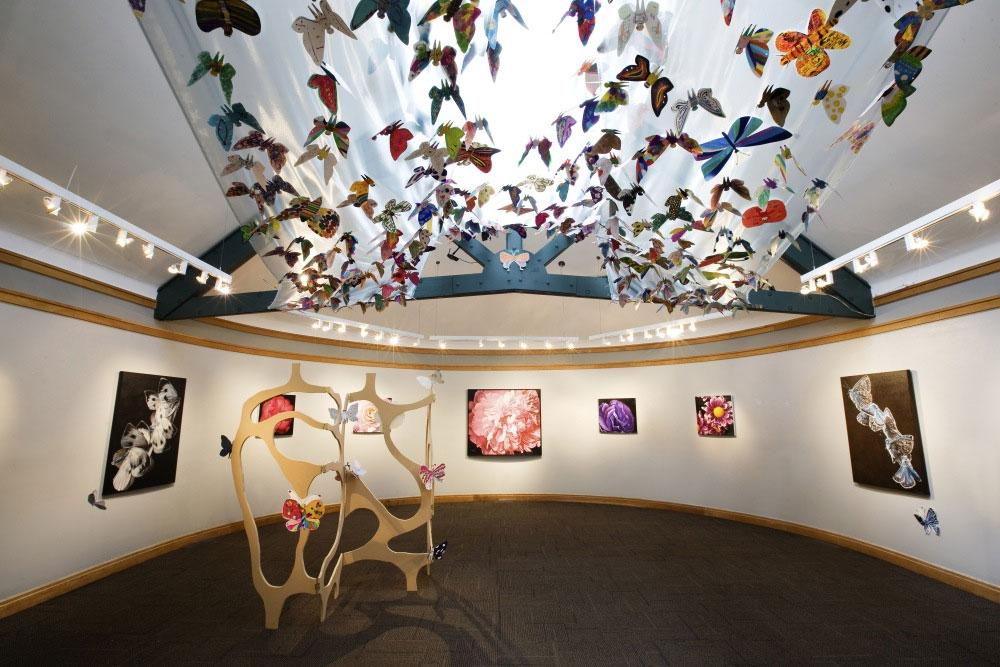 South Korean artist, global exhibition, Hanoi, Korean Cultural Center, paper butterflies, disabled South Korean painters