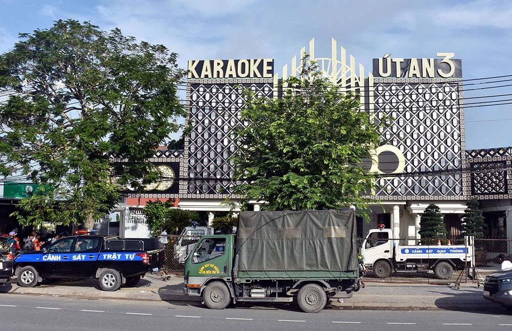 Nam thanh nữ tú, phê ma túy, phòng VIP, quán karaoke ở miền Tây, quán karaoke Út An 3