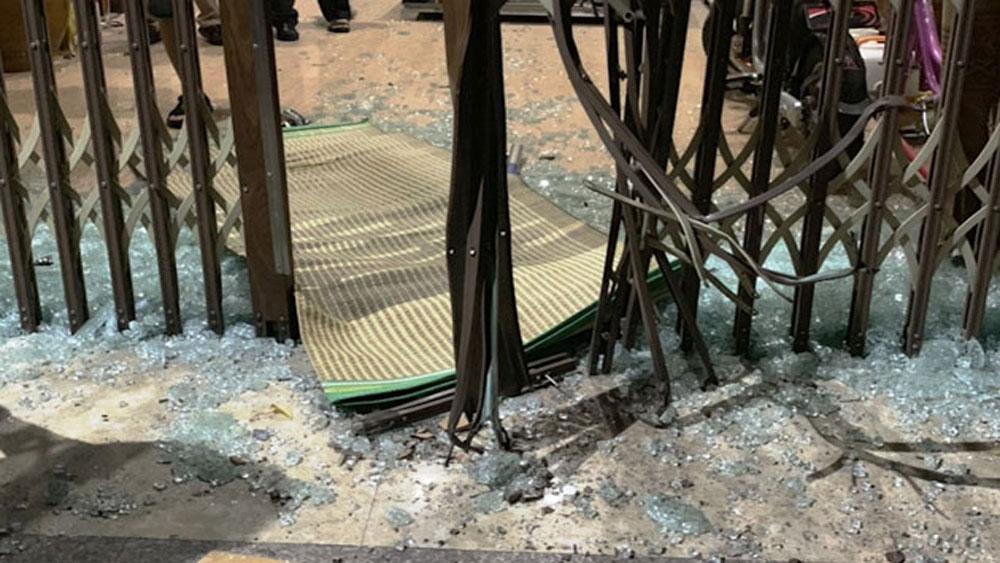 Khởi tố, đối tượng hủy hoại tài sản, thuốc nổ tự chế, đối tượng Nguyễn Văn Tường