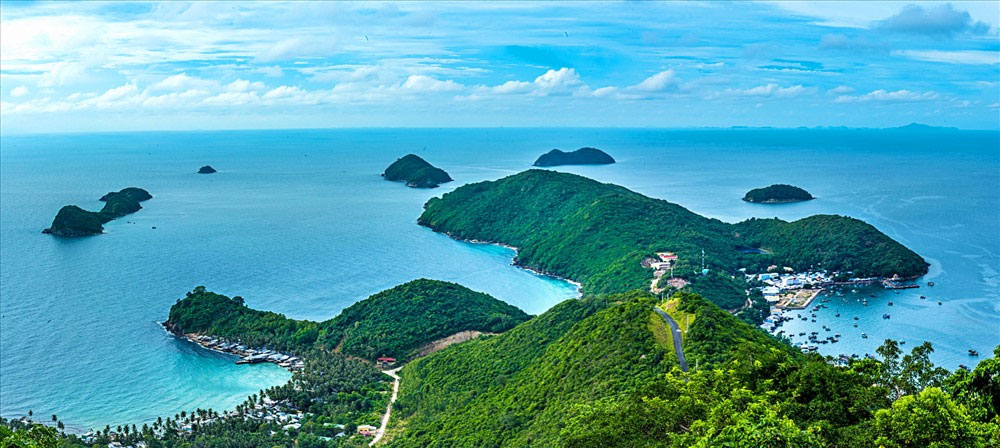 Kien Hai island, major tourist attraction, Kien Giang province, Stunning landscapes, gorgeous white sand beaches, irresistible tourist destination