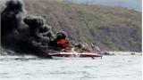 Ca nô du lịch bốc cháy trên vịnh Nha Trang