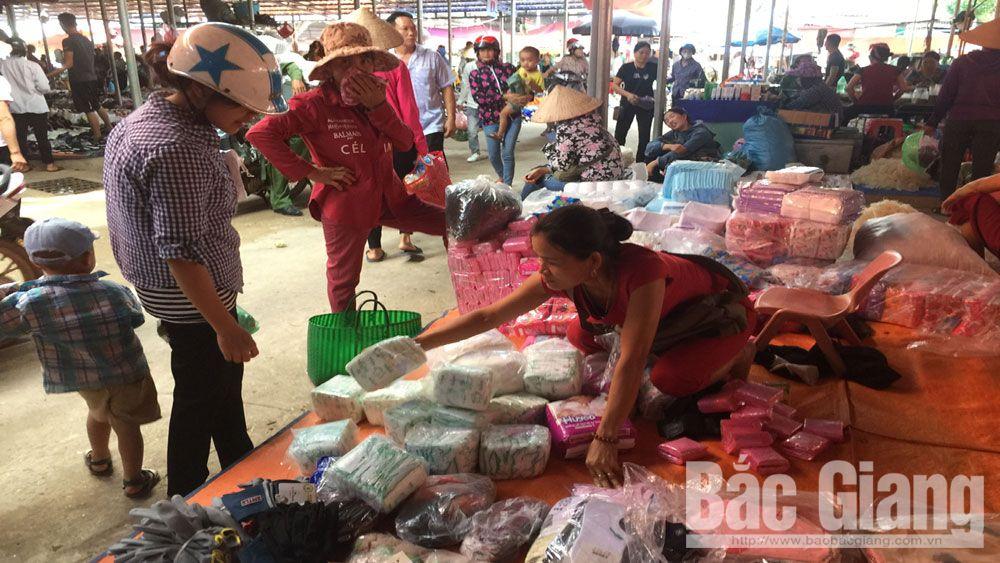 Hàng không rõ nguồn gốc xâm nhập chợ vùng cao Bắc Giang