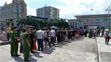 Bắt giữ 28 người Trung Quốc điều hành sàn chứng khoán giả tại Móng Cái