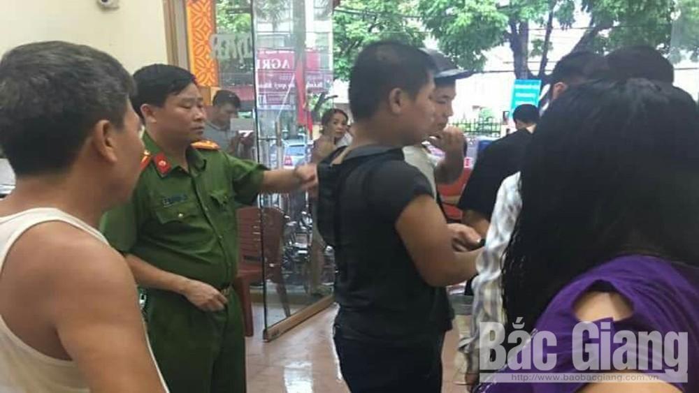 Bắc Giang: Vờ vào mua vàng, nhanh tay trộm cắp tài sản