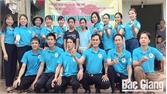 Câu lạc bộ chia sẻ yêu thương trao 37 triệu đồng hỗ trợ cháu Nguyễn Hoàng Long