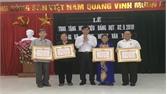 Đảng uỷ phường Hoàng Văn Thụ trao tặng Huy hiệu Đảng đợt 2-9