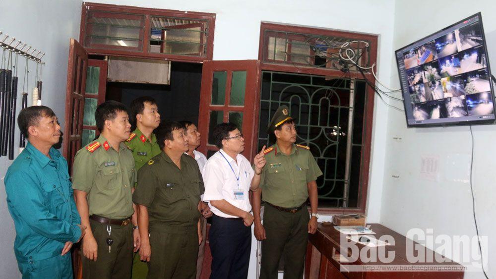 Xã Việt Tiến (Việt Yên) vận hành hệ thống camera và gác chắn an ninh