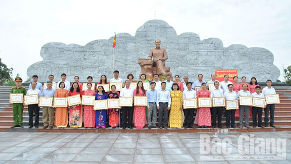 học và làm theo tư tưởng, đạo đức, phong cách Hồ Chí Minh, đảng viên gương mẫu, Bắc Giang