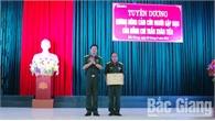 Khen thưởng Đại úy Trần Xuân Tiến, Sư đoàn 306 (Quân đoàn 2) dũng cảm cứu người gặp nạn