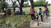 Hơn 600 người tham gia chiến dịch vệ sinh môi trường ở thị trấn Nhã Nam