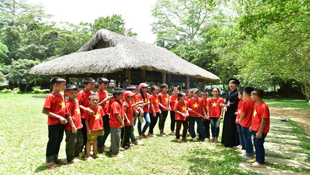 Tuyên Quang: Gần 500 nghìn lượt khách về nguồn tham quan Khu di tích lịch sử quốc gia đặc biệt Tân Trào